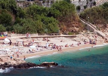 Banje Beach, Photo by Jimmy Harris
