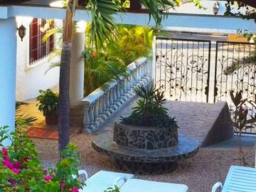 Hotel Flores   SuitcaseandHeels.com