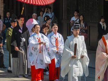 Meiji Shrine Wedding | SuitcaseandHeels.com