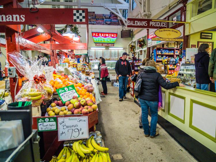 Saint Johns City Market | SuitcaseandHeels.com