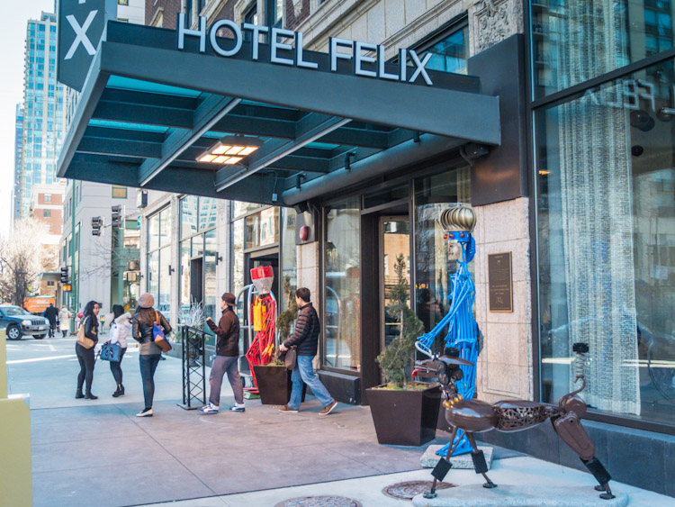 Hotel felix chicago il suitcase and heels for Hotels 60657