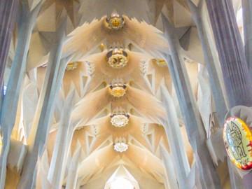 Sagrada Familia - Barcelona, Spain | SuitcaseandHeels.com