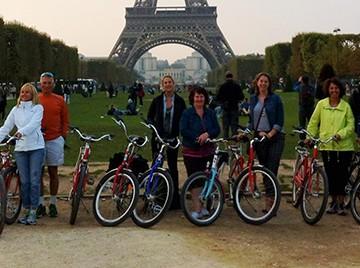 Fat Tire Bike Tour in Paris | SuitcaseandHeels.com
