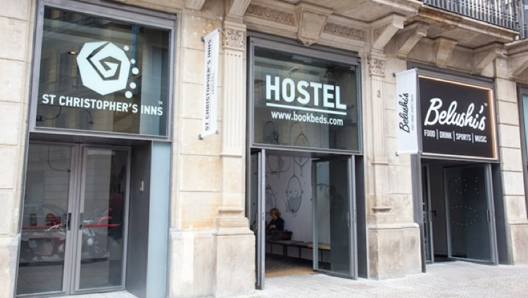 First Time Hostel Guest | SuitcaseandHeels.com