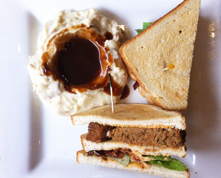 Where to Eat in Boston - Parish Cafe | SuitcaseandHeels.com