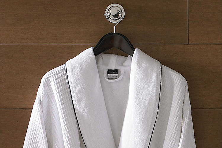 Ode to a Hotel Robe | SuitcaseandHeels.com