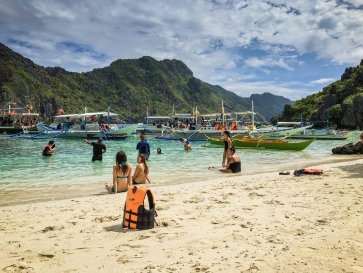 cc2f38d77e Two Weeks in the Philippines - A Palawan Itinerary - Suitcase and Heels