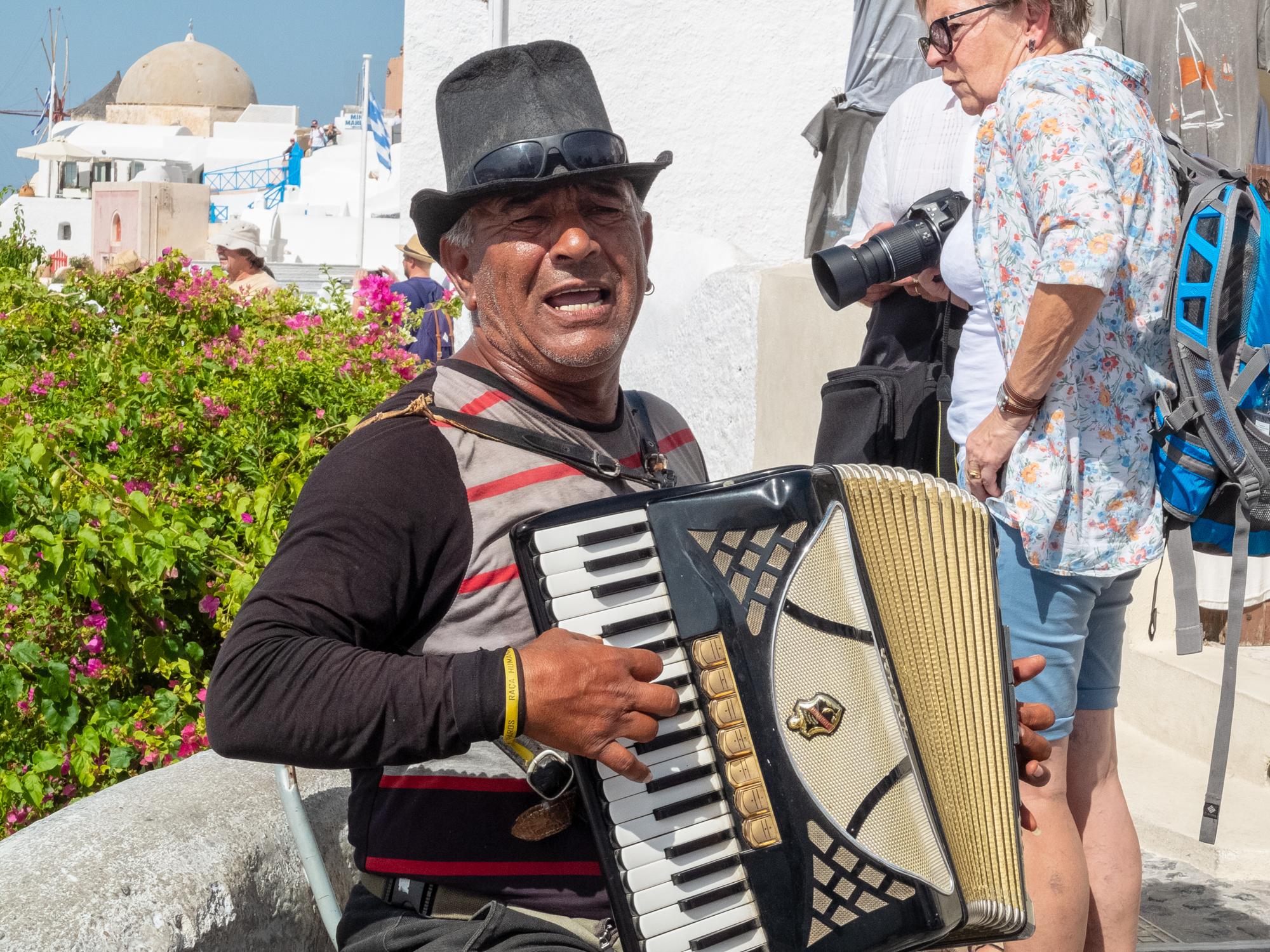 Santorini Bucker